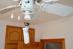 Een Gebroken Lightbulb Stock Foto