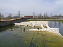 een gedaalde tempel in het meer Royalty-vrije Stock Foto