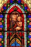 Een gedetailleerd gebrandschilderd glasvenster royalty-vrije stock afbeeldingen