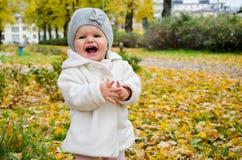 Een gelukkig meisje Stock Afbeeldingen