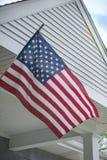 Een gemiddeld patriottisch huis stock fotografie