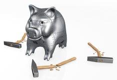 Het gepantserde spaarvarken verzet tegenzich aan hamers Royalty-vrije Stock Foto's