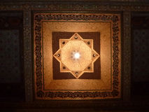 Een geschilderd houten plafond van Bahia Palace in Marrakech Royalty-vrije Stock Afbeelding