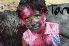 Een girlâsgezicht dat met kleur wordt gesmeerd Royalty-vrije Stock Foto