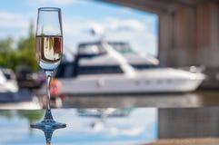 Een glas champagne Stock Afbeelding