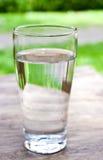 Een glas drinkwater Royalty-vrije Stock Afbeelding