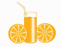 Een glas jus d'orange en sinaasappelen Stock Fotografie