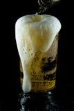 Een glas koud bier Stock Foto