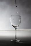 Een glas met water royalty-vrije stock foto's