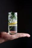 Een glas van mojitococktail Royalty-vrije Stock Fotografie