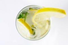 Een glas van mojitococktail Stock Foto's