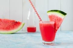 Een glas vers watermeloensap royalty-vrije stock fotografie