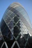 Een glasgebouw in Londen Stock Fotografie