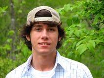 Een glimlachende Teenaged Jongen Inlove Stock Afbeeldingen