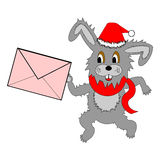 Een grappige Kerstmishaas die met een brief in zijn poten lopen Stock Afbeelding