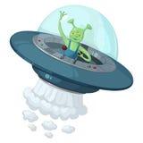 Een groene drie-eyed vreemdeling in een UFO met een transparante koepel houdt de bedieningshefboom en golvend van hem dien groet  Stock Afbeelding
