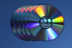 Een groep CDs of DVDs royalty-vrije stock afbeeldingen