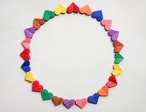 Een groep gekleurde document harten stock foto