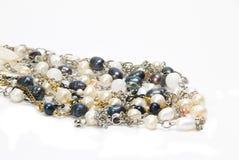 Een groep pareljuwelen Royalty-vrije Stock Foto's