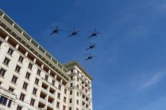 Een groep van de Nachtjager van vijf aanvalshelikopters mi-28N Royalty-vrije Stock Afbeelding