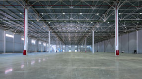 Een groot fabriekspakhuis Stock Fotografie