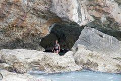 Een groot hol langs de kust Royalty-vrije Stock Afbeelding