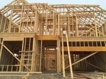 Een groot nieuw huis in aanbouw Stock Fotografie