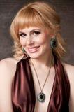 Een groot portret van een mooi blondemeisje Royalty-vrije Stock Foto
