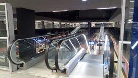 Een groot station, graafwerktuigen Stock Foto's