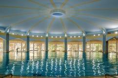Leeg groot zwembad stock afbeelding afbeelding bestaande uit