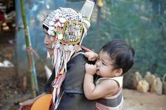 Een grootmoeder met een kind Royalty-vrije Stock Foto