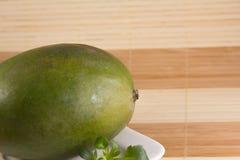 Een grote mango Royalty-vrije Stock Foto's