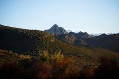 Een grote mening van bergen van het eiland van Corsica, Frankrijk Horizontale mening stock fotografie