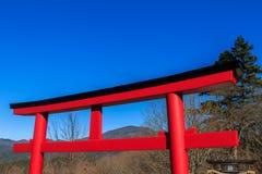 Een grote Torii-poort in Miyajima, Japan Stock Foto