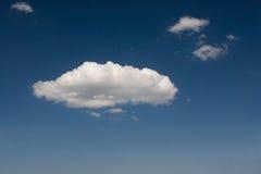 Een grote wolk Stock Afbeeldingen