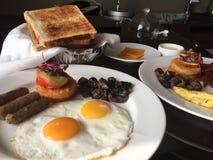 Een hartelijk ontbijt stock afbeeldingen