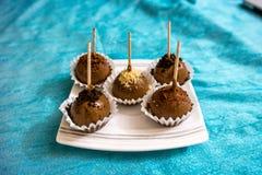Een heerlijk mini rond eigengemaakt dessert van de balchocolade stock afbeeldingen