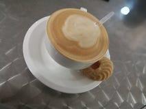 Een heerlijke staatsgreep van coffe Stock Foto