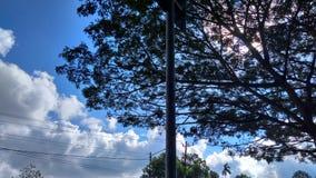 Een hemel bij middag royalty-vrije stock afbeelding