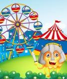 Een heuvel met Carnaval en een moedig monster Stock Afbeelding
