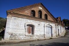 Een historische olijfoliefabriek in Edremit, Balikesir, Turkije royalty-vrije stock foto's