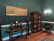 Een hoek in een ruimte in het Iulia Hasdeu-paleis stock afbeelding