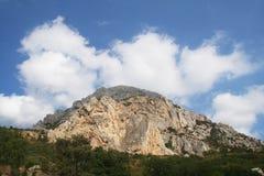Een hoge berg Royalty-vrije Stock Afbeeldingen