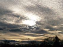 Een hoogtepunt bereikende zon Stock Afbeelding