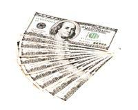 Een hoop van 100 dollarsbankbiljetten Stock Afbeeldingen