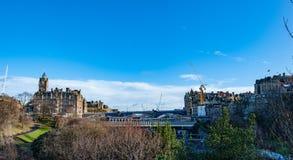 Een Hotel van meningsbalmoral en een het Noordenbrug in Edinburgh, Schotland stock fotografie