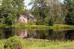 Een huis aan de kant Royalty-vrije Stock Afbeeldingen