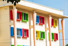 Een huis is een gebouw dat als huis functioneert stock fotografie