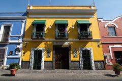 Een huis met talavera in Puebla stock afbeelding