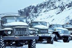 Een inzameling van oude vrachtwagens royalty-vrije stock foto's
